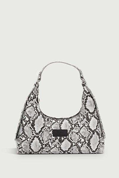 Housebags Kadın Yılan Derisi Desenli Siyah Baguette Çanta 205