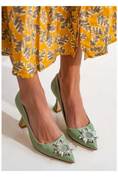 VEGA Güneş Aksesuarlı Topuklu Ayakkabı
