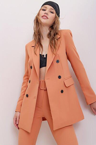 Trend Alaçatı Stili Kadın Kayısı İçi Astarlı Omzu Vatkalı Blazer Ceket ALC-X7032