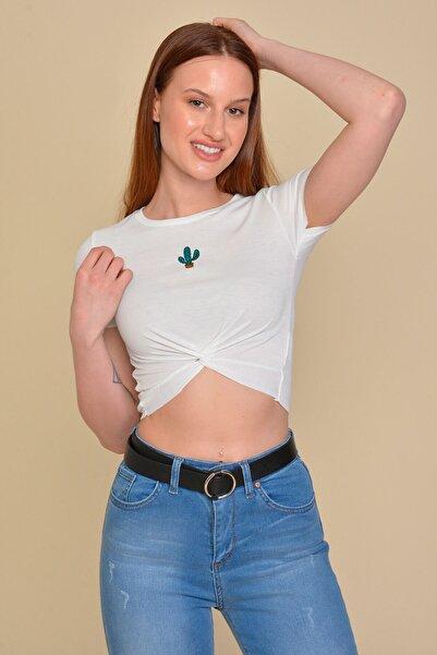 Mossta Kadın Beyaz Kaktüs Nakışlı Crop