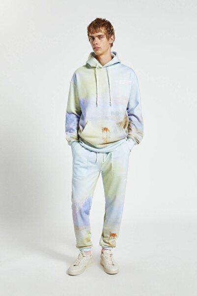 "Pull & Bear Erkek Açık Mavi Tate Art Collection ""Norham Castle, Sunrise"" Desenli Jogging Fit Pantolon 09678534"