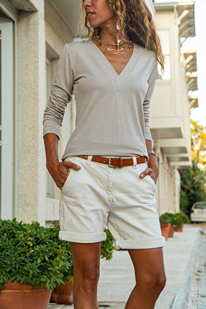 Güneşkızı Kadın Bej V Yaka Yumuşak Dokulu Basic Bluz GK-BST2939