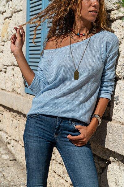 Güneşkızı Kadın Bebe Mavi Kayık Yaka Salaş Ajurlu İnce Örme Bluz GK-BST2977