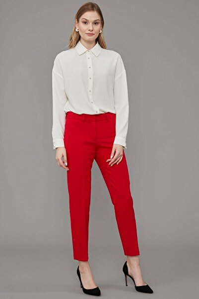 Journey Kadın Kırmızı Kemer Altı Yatay Bant Cep Detaylı Dar Paça Klasik Pantolon