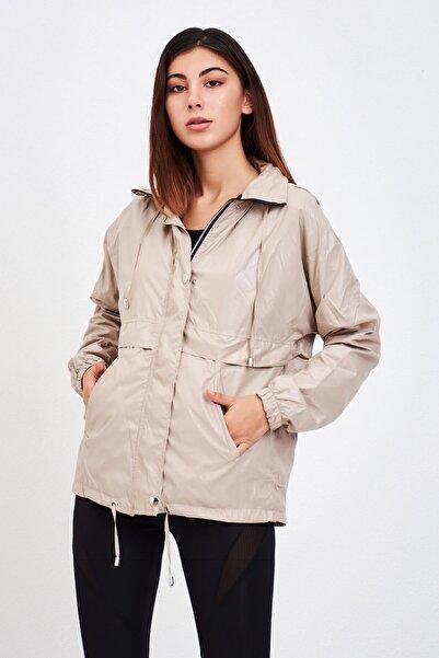 Mossta Kadın Bej Kapüşonlu Rüzgarlık Ceket