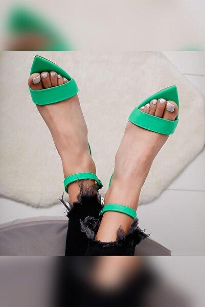 Limoya Sonia Yeşil Neon Dalgıç Kumaş Tek Bantlı Sivri Burunlu Ince Topuklu Ayakkabı