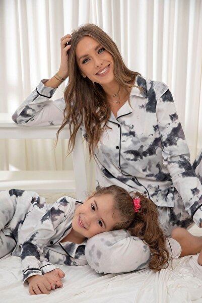 Siyah İnci Pamuklu Likrali Batik Desenli Düğmeli Biyeli Pijama Takım