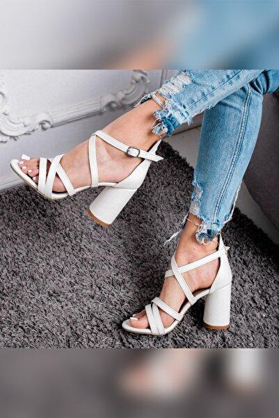 Limoya Emmy Beyaz Oval Topuklu Sandalet