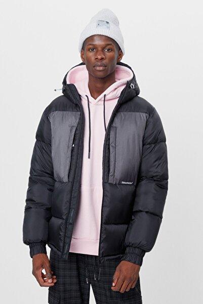 Bershka Erkek Siyah Çift Renkli Şişme Mont