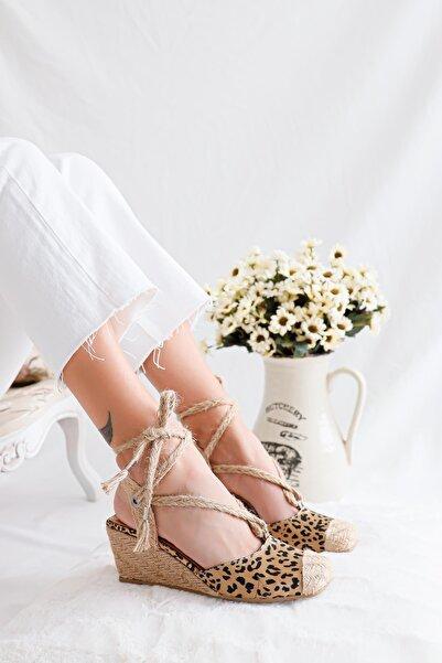 Limoya Kadın Leopar Hasır Bilekten Bağlamalı Dolgu Tabanlı Sandalet