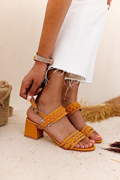 Limoya Kadın Hardal Şeffaf Bant Ve Örgü Detaylı Detaylı Alçak Topuklu Sandalet