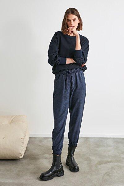 TRENDYOLMİLLA Lacivert Bağlama Detaylı Pantolon TWOAW21PL0070