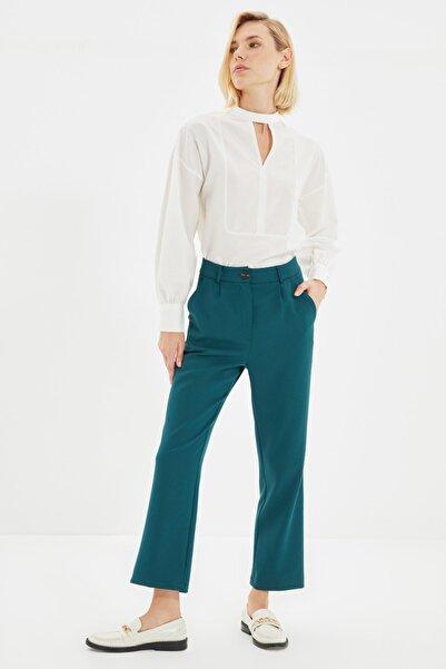 TRENDYOLMİLLA Zümrüt Yeşili Dik Pantolon TWOAW22PL0040