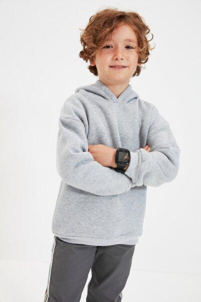 TRENDYOLKIDS Gri Basic Kapüşonlu Şardonlu Erkek Çocuk Örme Kalın Sweatshirt TKDAW22SW0604