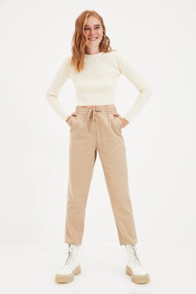 TRENDYOLMİLLA Camel Bağlama Detaylı Pantolon TWOAW22PL0277