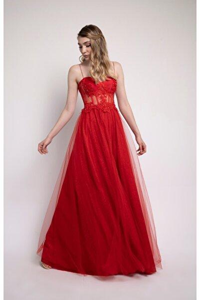 Lenta Moda Kırmızı İşlemeli Dantel Detaylı Transparan Abiye Elbise