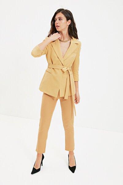 TRENDYOLMİLLA Sarı Bağlamalı Blazer Ceket TWOAW22CE0041