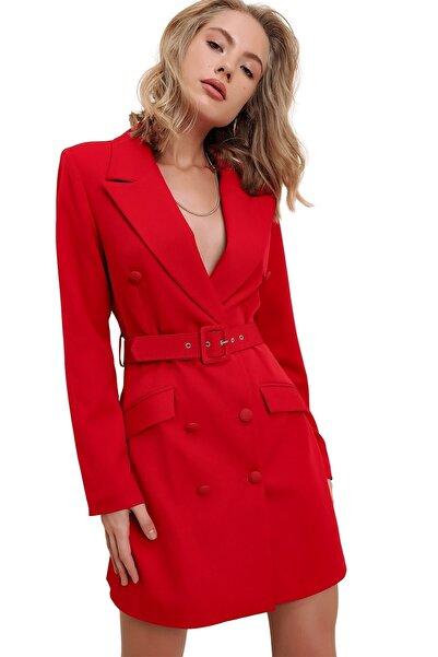 butikburuç Kadın Kırmızı Kruvaze Yaka Kemerli Uzun Ceket