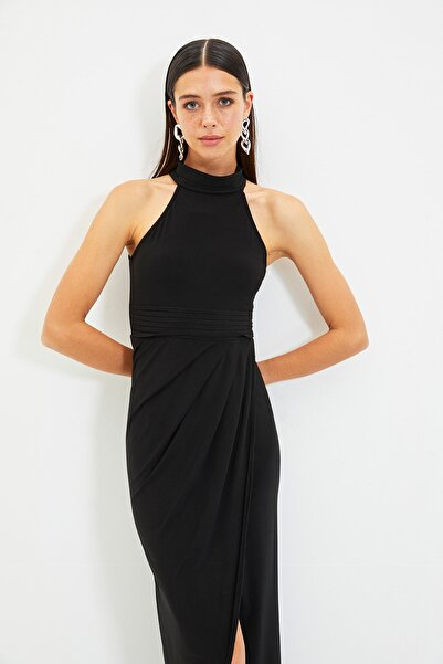 TRENDYOLMİLLA Siyah Yaka Detaylı Abiye & Mezuniyet Elbisesi TPRSS21AE0039