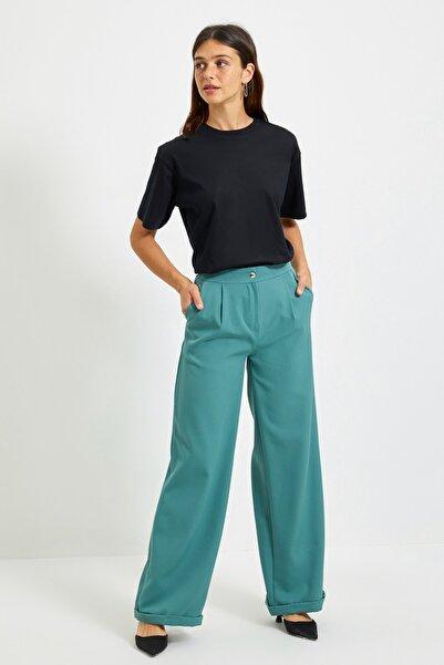TRENDYOLMİLLA Yeşil Fermuarlı Pantolon TWOAW22PL0018