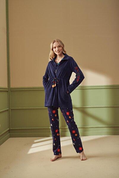 Feyza Lacivert Polar Sabahlıklı Yılbaşı Desenli 3lü Pijama Takımı