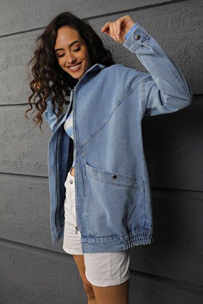 MD trend Kadın Mavi Bel Lastikli Cep Detaylı Fermuarlı Oversize Jean Kot Ceket