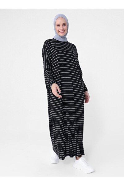 Refka Kadın Siyah Cep Detaylı Çizgili Doğal Kumaşlı Rahat Kesim Elbise