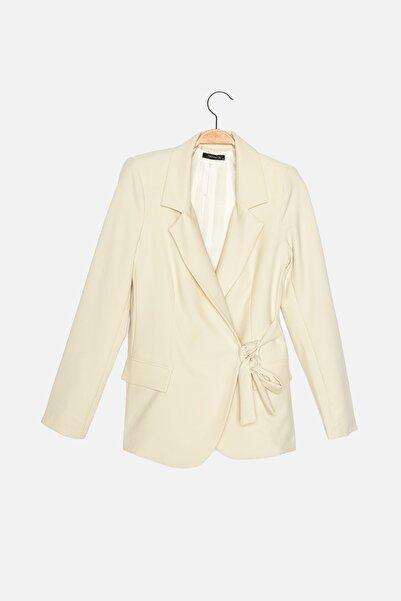 TRENDYOLMİLLA Taş Düğmeli Blazer Ceket TWOAW22CE0085