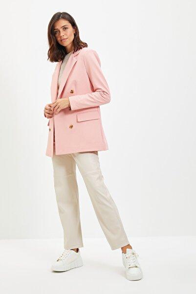 TRENDYOLMİLLA Pembe Düğme Detaylı Blazer Ceket TWOAW22CE0206