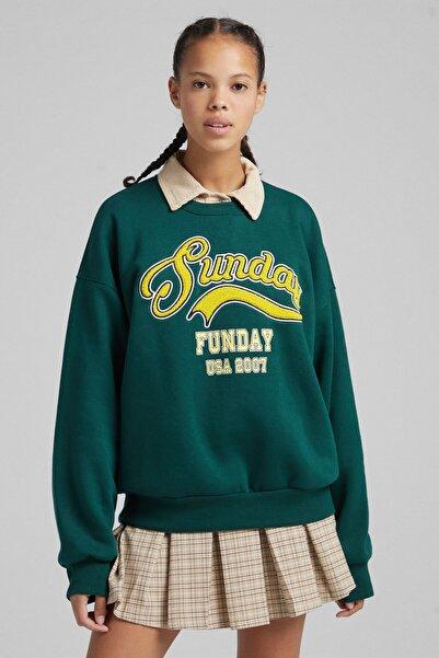 Bershka Kadın Yeşil Işlemeli Desenli Oversize Sweatshirt