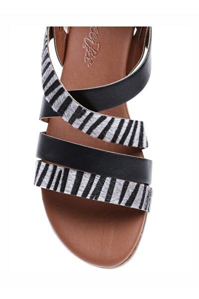 QUEEN BEE Kadın Siyah Desenli Sandalet
