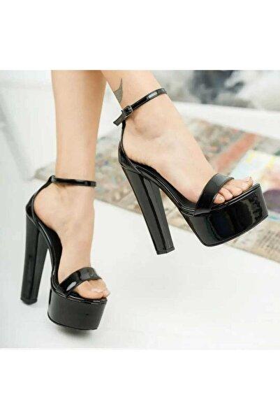 ZEK Siyah Topuklu Ayakkabı