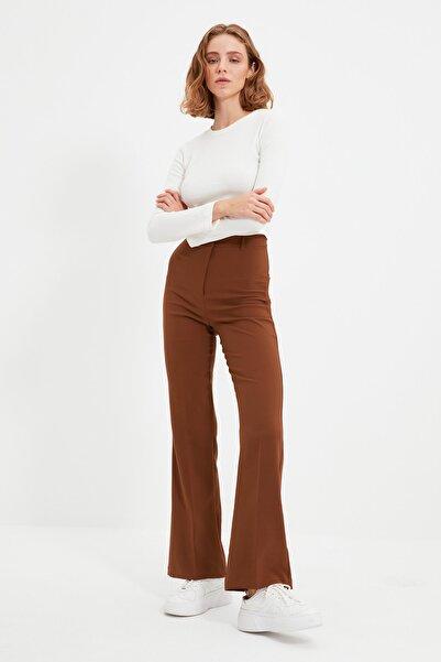 TRENDYOLMİLLA Kahverengi Düz Kesim Recycled Pantolon TWOAW21PL0617