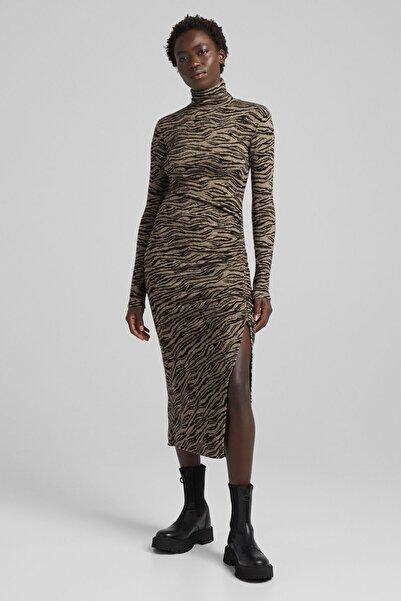 Bershka Zebra Jakarlı Ve Yanı Büzgülü Uzun Kollu Midi Elbise