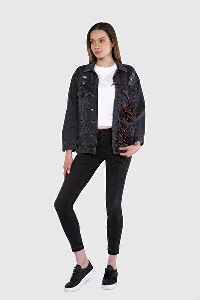 xGIZIA Nakış İşlemeli Siyah Jean Ceket