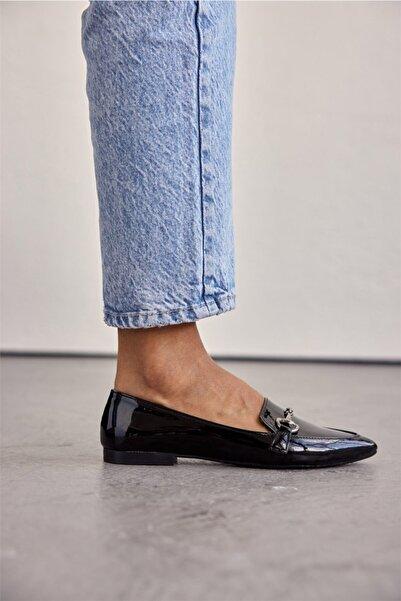 Cömert Ayakkabı Rander Kadın Babet Siyah Rugan