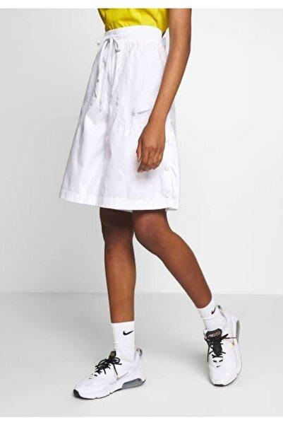 Nike Sportswear Up In Air Kadın Şort