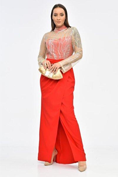 Modkofoni Balıkçı Yaka Tül Detaylı Uzun Kollu Yırtmaçlı Kırmızı Kadın Abiye Elbise