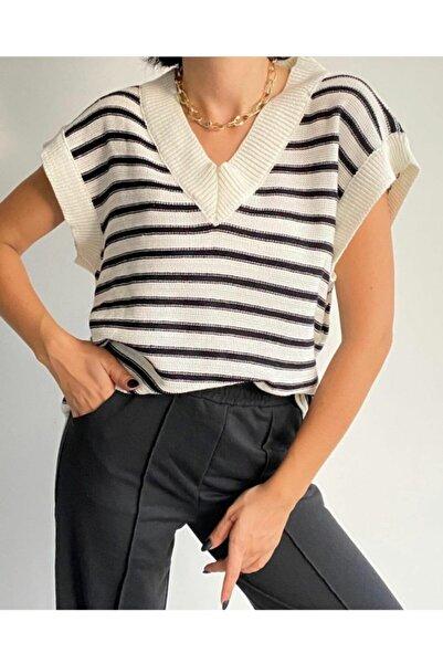 Nazende Stil Kadın Beyaz-siyah Çizgili V Yaka Oversize Triko Süveter