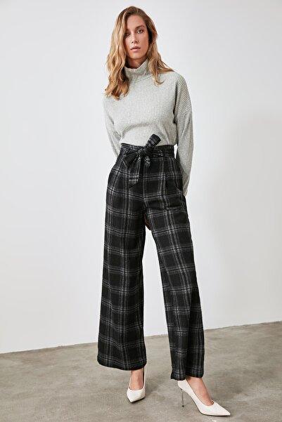 TRENDYOLMİLLA Çok Renkli Geniş Kesim Pantolon TWOAW21PL0101