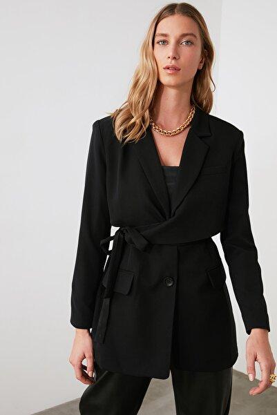 TRENDYOLMİLLA Siyah Bağlamalı Ceket TWOAW21CE0320