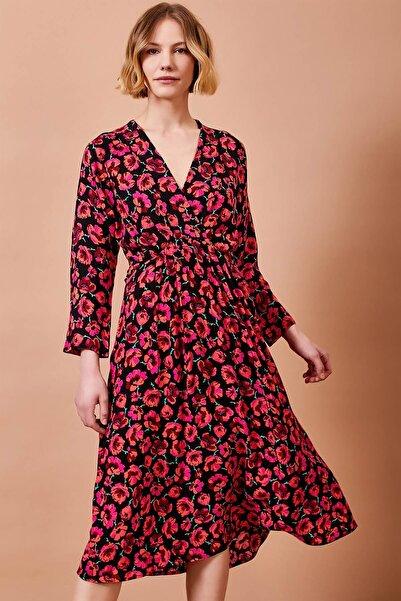 Mossta Kadın Kırmızı Kruvaze Yaka Çiçekli Elbise
