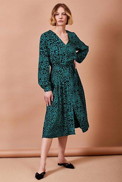 Mossta Kadın Yeşil Midi Boy Yırtmaçlı Elbise