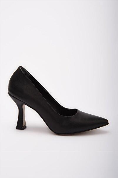 Yaya  by Hotiç Siyah  Klasik Topuklu Ayakkabı 01AYY197680A100