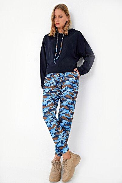 Trend Alaçatı Stili Kadın Mavi Kamuflaj Kapşonlu Crop Eşofman Takım ALC-X5080