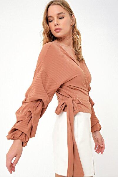 Trend Alaçatı Stili Kadın Pudra Pembesi Kruvaze Kat Kat Volanlı Bluz ALC-019-059-ST