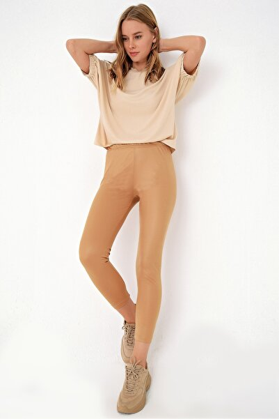 Trend Alaçatı Stili Kadın Bisküvi Likralı Parlak Görünümlü Tayt ALC-X4386-RV-1