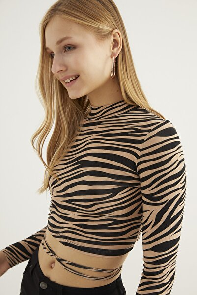 Bipantolon Kadın Sırt Dekolteli Camel Zebra Desenli Crop Bluz