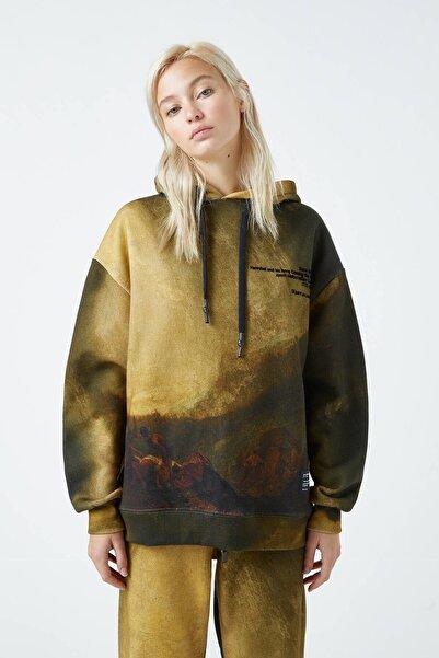 Pull & Bear Kadın Renkli Tate Art Collection Turner Desenli Kapüşonlu Sweatshirt 04591305