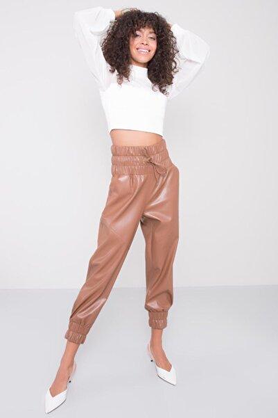 BSL Kadın Taba Kemer Lastik Detaylı Suni Deri Pantolon